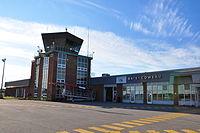 Aéroport de Baie-Comeau (CYBC) (5956634000) (2).jpg