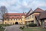 Adelsdorf schloss Innenhof 2180429.jpg