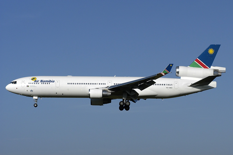 ملف:Air Namibia MD-11 V5-NMD ZRH 2005-6-29.png