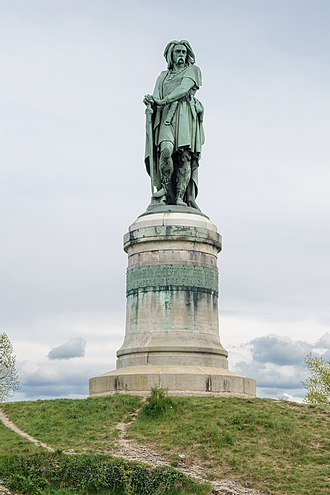 Alesia (city) - Vercingetorix Memorial in Alesia