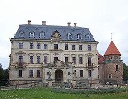Altdöbern Schloss Vorderseite.JPG