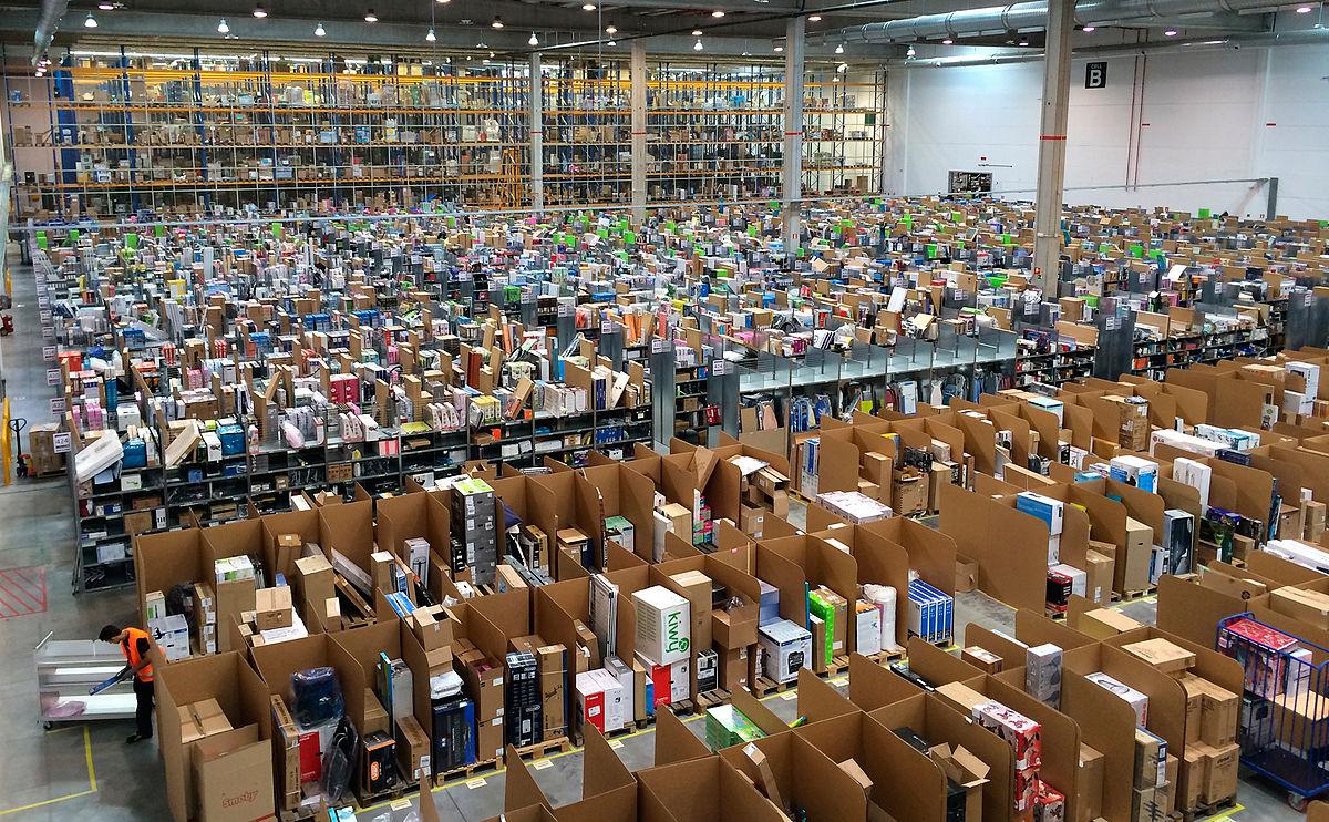 Amazon España por dentro (San Fernando de Henares).JPG