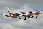 American Airlines Boeing 757-200 N658AA (16238436179).jpg