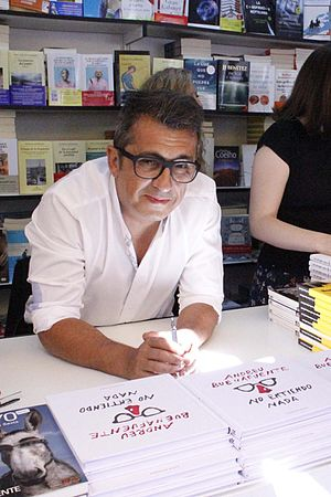 Andreu Buenafuente - Image: Andreu Buenafuente Feria del Libro de Madrid