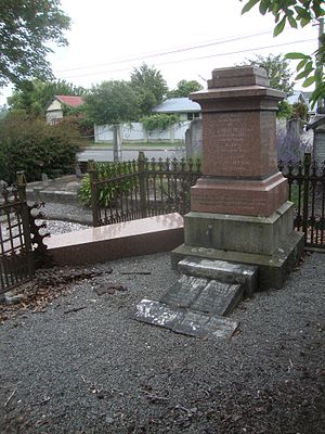 Andrew Duncan (mayor) - Grave of the Duncan family at the Addington Cemetery; the obelisk fell over in one of the Christchurch earthquakes
