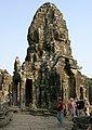 Angkor Thom-Bayon-32-2007-gje.jpg