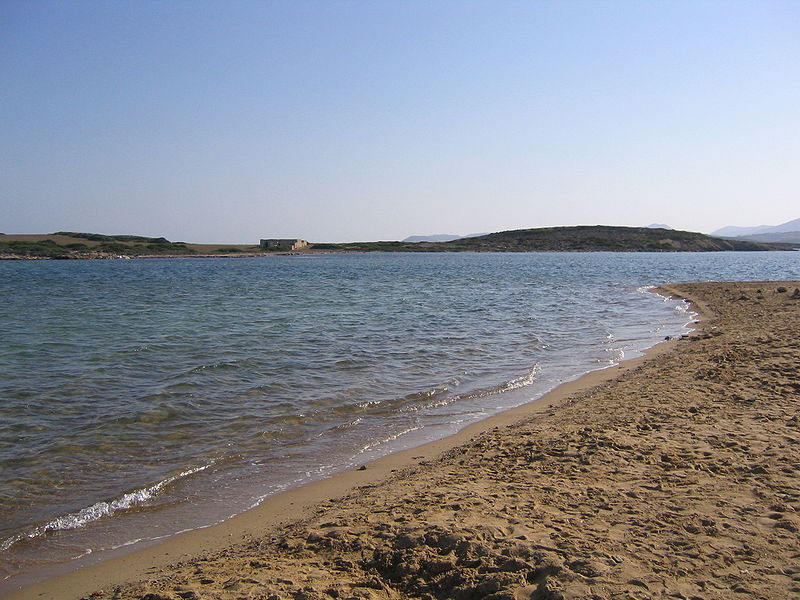 File:Antiparos Beach.jpg