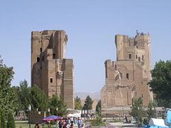 Vestiges d Oq-Saroy (1380), « le palais blanc », à Chakhrisabz, ville natale de Tamerlan