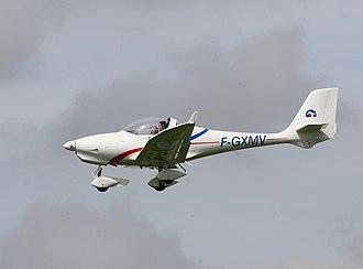 Aquila A 210 - Image: Aquila en volm