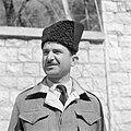 Arabische politieagent uit Nazareth met een hoofddeksel uit de Turkse tijd, Bestanddeelnr 255-1419.jpg