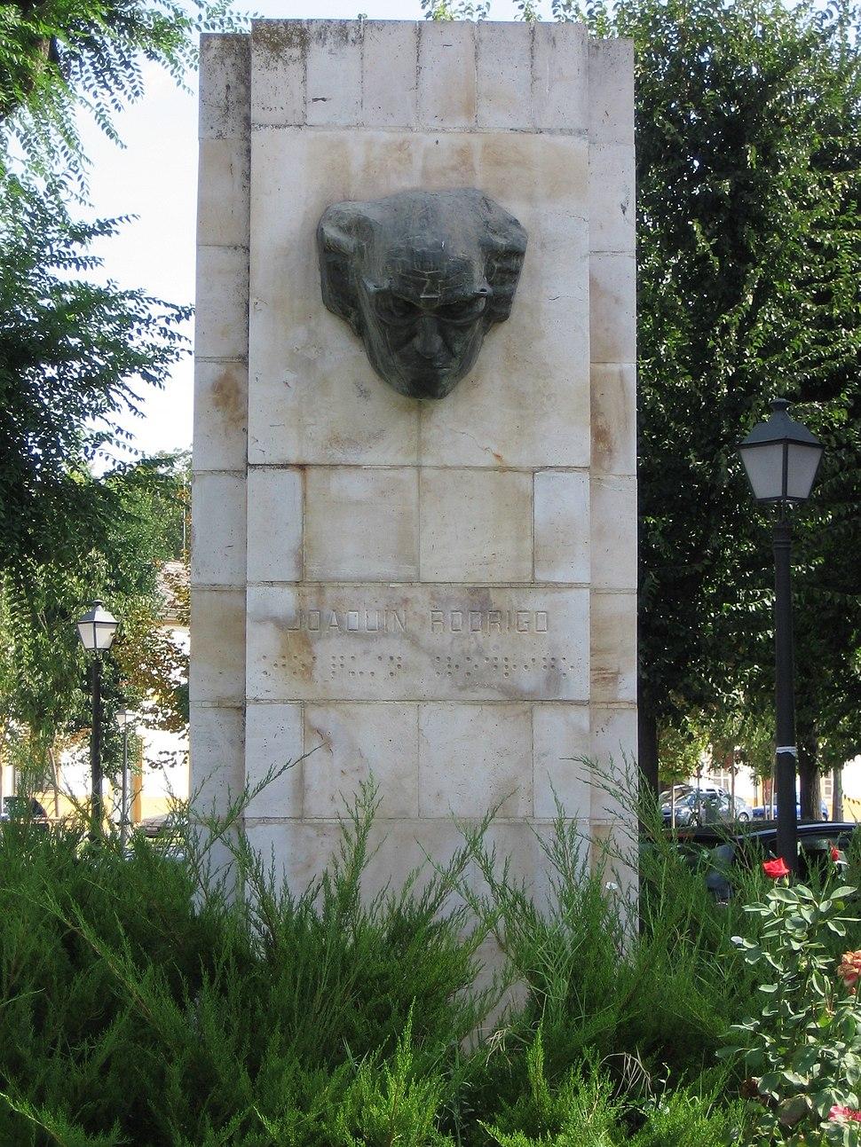 Aranjuez MonumentoJoaquinRodrigo1