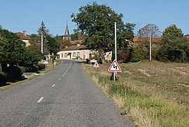 The main road the D128