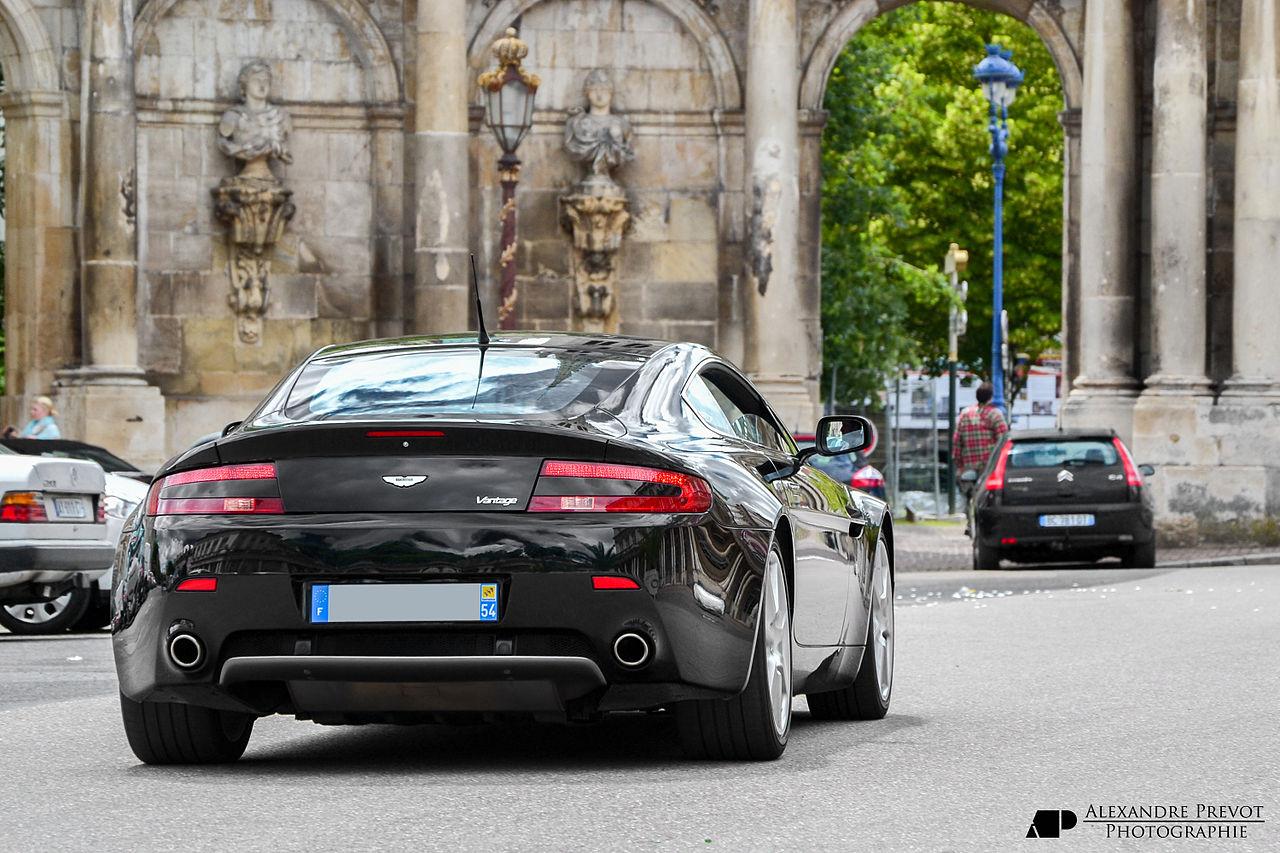 Aston martin v8 vantage wiki