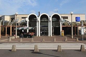 Torcy station - Image: BV Torcy côté accès sud par Cramos