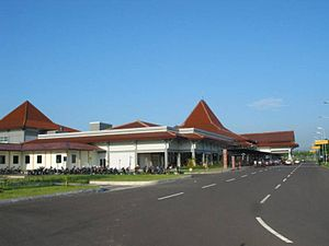 Bandara Solo-Surakarta Adisumarmo International Airport 2009 Bennylin 14.jpg