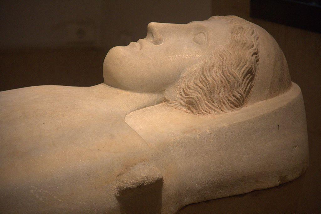 جولة في متحف بيروت الوطني 1024px-BeirutNationalMuseumHead