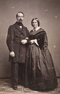 Bernt Lund og hustru Hedevig, f. Erichsen - Olsen & Thomsen - Oslo Museum - OB.F03810c.jpg