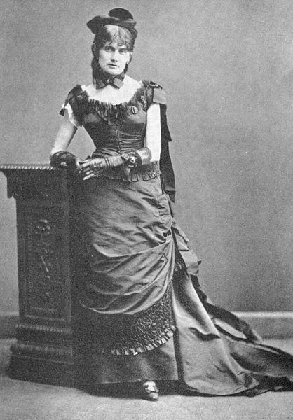 File:Berthe Morisot, 1875.jpg