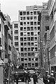 Beschadigde gebouwen in de Hoveniersstraat na de aanslag, Bestanddeelnr 931-7513.jpg