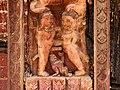 Bhaktapur-Yaksheshvara-122-erotische Schnitzerei-gje.jpg