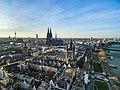 Blick über Kölner Altstadt (207537485).jpeg