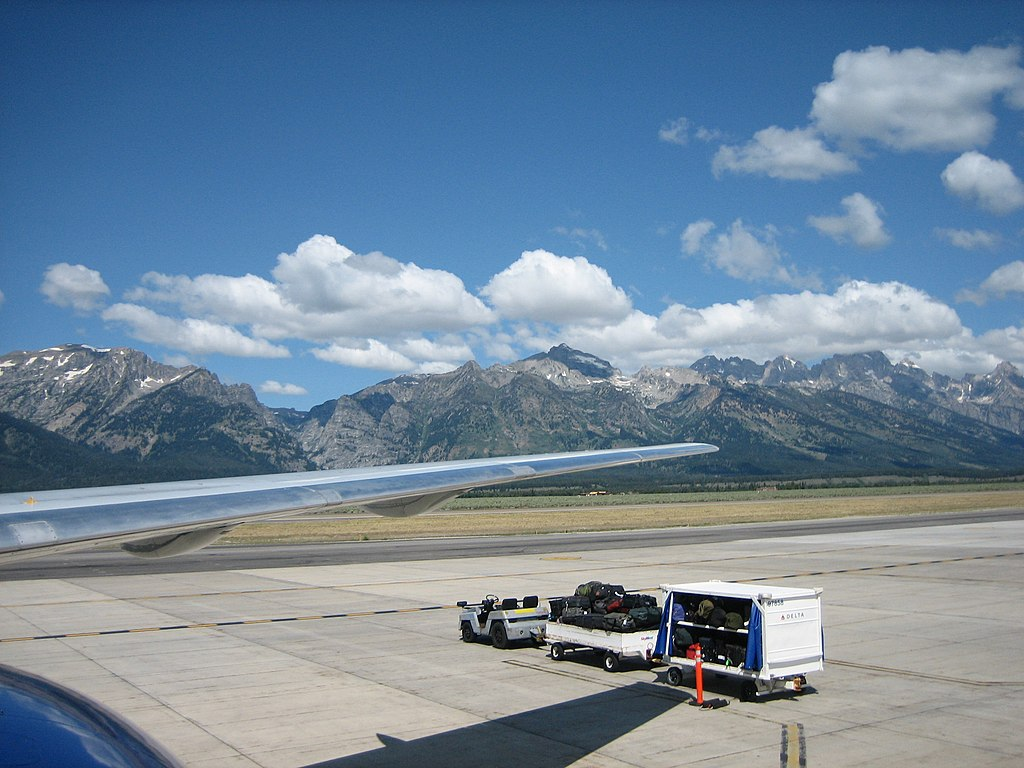 wiki jackson hole airport