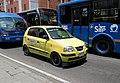 Bogota - av. Cra 13 con calle 43 Taxi amarillo.JPG