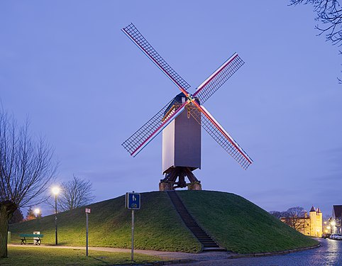 Bonne Chiere windmill in Bruges, Belgium (DSCF4838).jpg