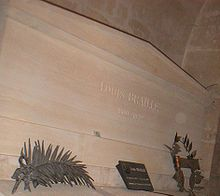 Braille's tomb in the Pantheon.jpg