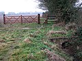 Brand-new gate and stile - geograph.org.uk - 1121075.jpg