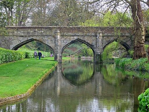 Bridge at Eltham Palace (geograph 6122053)