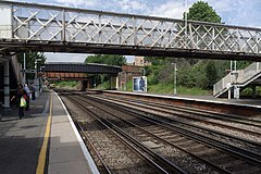 Brockley railway station MMB 05 378147.jpg