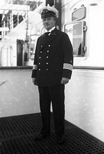 """Bundesarchiv Bild 102-11434, Leopold Ziegenbein, Kapitän der """"Bremen"""".jpg"""