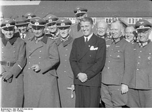 Heinz Brandt - Peenemünde (1941): Brandt is on the left of Wernher von Braun (wearing a civil suit)