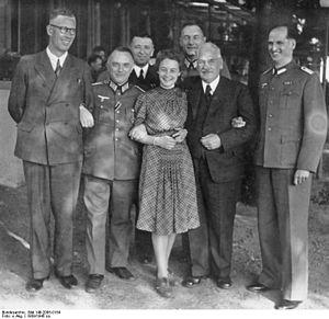 Sonderführer - Image: Bundesarchiv Bild 146 2005 0154, Geheimer Funkmeldedienst des OKW
