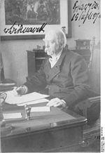 Le chancelier Otto von Bismarck grand ordonnateur de la politique coloniale allemande photographié ici en 1886.