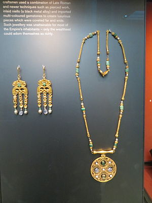 Asyut Treasure - Image: Byzantine Jewellery (1)
