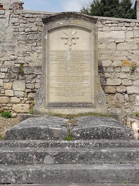 Cœuvres-et-Valsery (Aisne) pierre tombale famille Bertier de Sauvigny