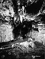 COLLECTIE TROPENMUSEUM De grot van Kamang in de omgeving van Fort de Kock TMnr 60004136.jpg