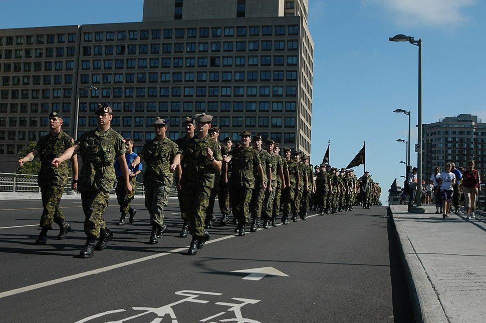 Cameron Highlanders On Parade - 11 September 2004