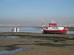 Canal de acceso al puerto deportivo de La Casería.jpg