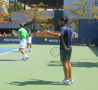 Guillermo Cañas - Guillermo Cañas coaching at the US Open after retiring as player