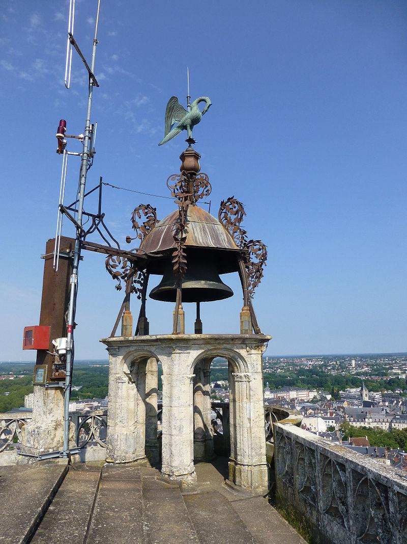 Cathédrale de Bourges-Pélican (1).jpg