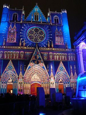 Projection mapping - Projection mapping at Fête des Lumières by P. Warrener in Lyon (2008)