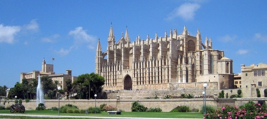 Cathedral palma mallorca spain 01 2007 08 15