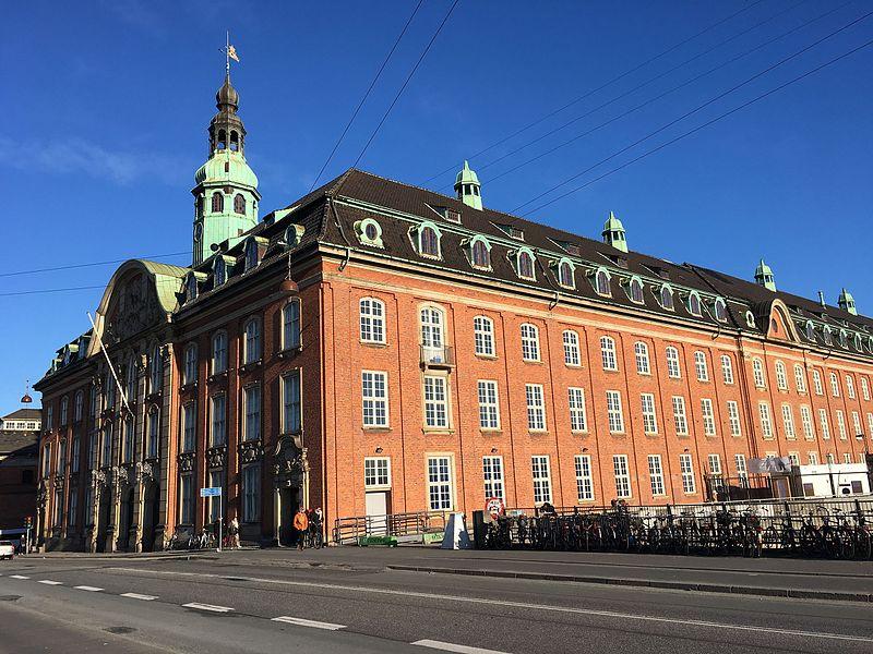 Centralpostbygningen København.jpg