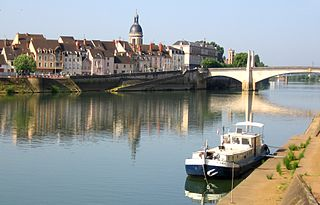 Chalon-sur-Saône Subprefecture and commune in Bourgogne-Franche-Comté, France
