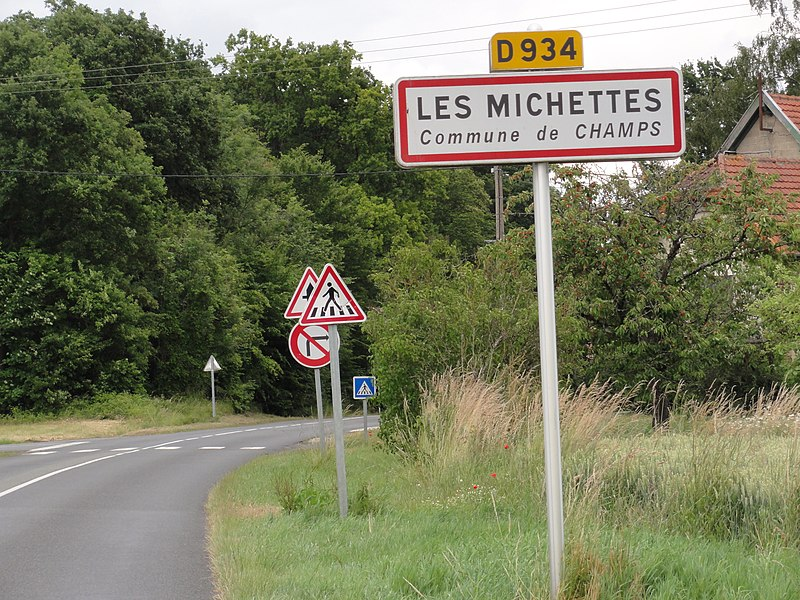 Champs (Aisne) city limit sign Les Michettes