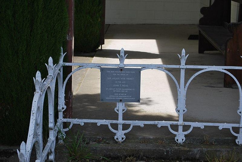 File:Cheviot Iron Railing Haast Grave.JPG