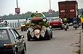 Circulation sur le pont du Wouri à Douala.jpg